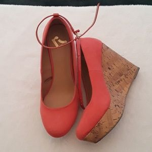 Adorable coral wedges